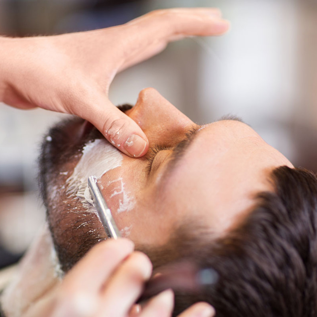 Get a professional men's head shave service